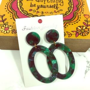 NWOT 2/$16 Green oval resin earrings